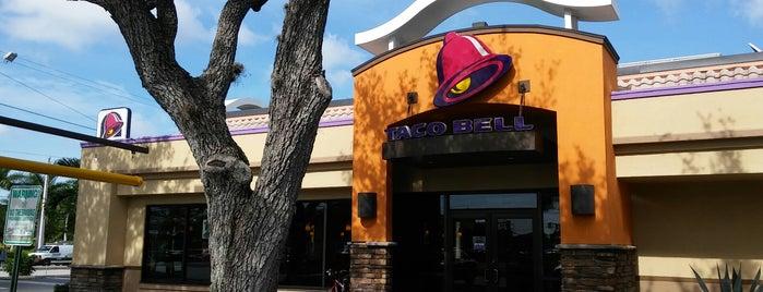 Taco Bell is one of สถานที่ที่ Steven ถูกใจ.