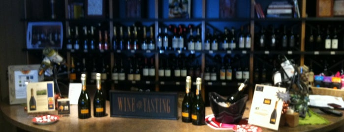 Pittsford Wine and Spirits is one of Sebastianさんのお気に入りスポット.