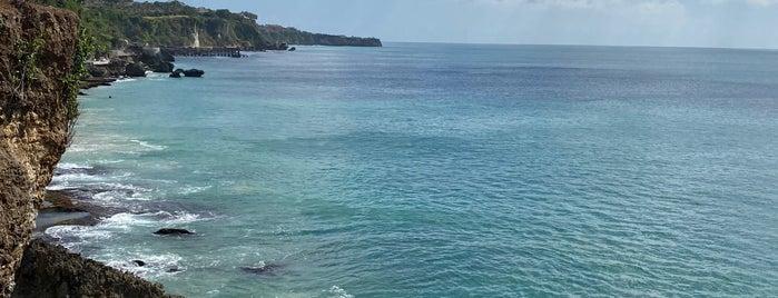 Tegal Wangi Beach is one of Remy Irwan: сохраненные места.