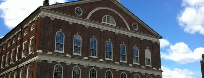 Faneuil Hall Building is one of Locais curtidos por Carl.