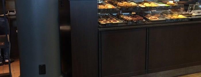 Panera Bread is one of Cheapeats 님이 좋아한 장소.