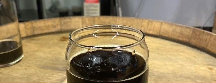 Magnetic North Brewing Company is one of Locais curtidos por Dennis.