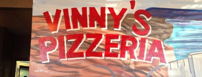 Vinny's Pizzeria is one of Lugares guardados de Christine.
