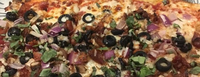 Pizza @ Lake Eola is one of Mike'nin Beğendiği Mekanlar.