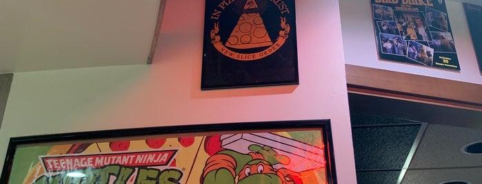 DeLeo Bros Pizza is one of Elvira Canaveral PINCOMBO.COM : понравившиеся места.