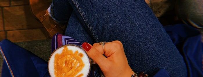 Lamiz Coffee | لمیز کافی is one of Locais curtidos por H.