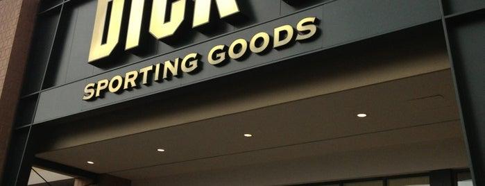 DICK'S Sporting Goods is one of Locais curtidos por Brendiflex.