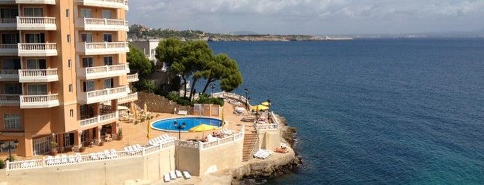 Roc Illetas Playa is one of Guía de Mallorca.