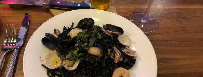 Vivo Italian Kitchen is one of สถานที่ที่ Karen ถูกใจ.