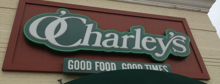 O'Charley's is one of Lugares favoritos de Chaz.