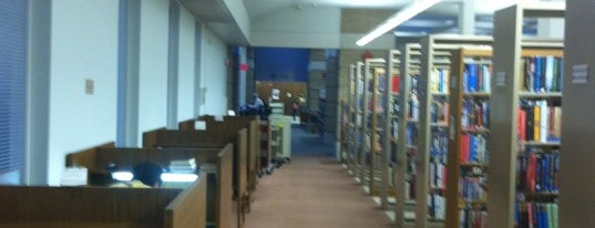 Upper Arlington Public Library - Tremont Branch is one of Locais curtidos por Anna.
