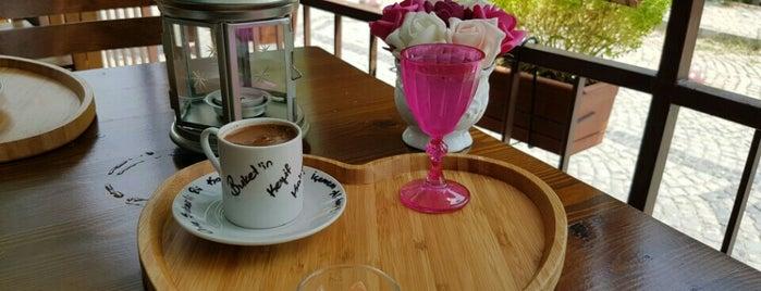 Bi Keyf Cafe is one of Altınoluk.