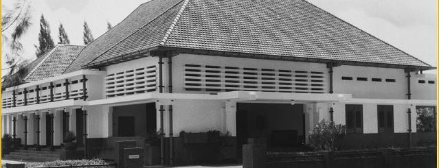 Rumah Dinas Walikota Surabaya is one of Characteristic of Surabaya.
