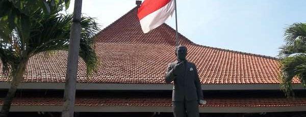Gedung Nasional Indonesia (GNI) is one of Characteristic of Surabaya.