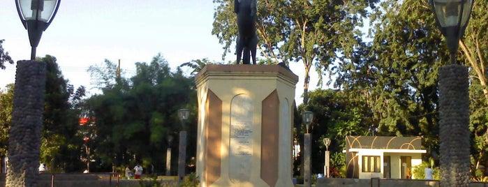 Monumen Taman Ronggolawe is one of Characteristic of Surabaya.
