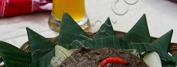 Festival Tahunan Rujak Uleg ( Annual ) is one of Characteristic of Surabaya.