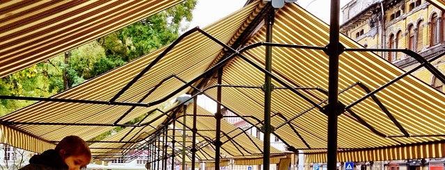 Hunyadi téri Vásárcsarnok is one of Lugares favoritos de Andras.