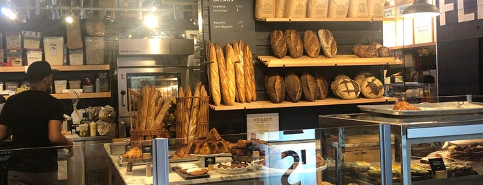 Café D'Avignon is one of Locais curtidos por Ohilikechickn.