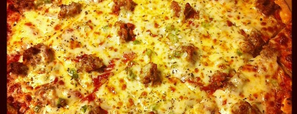 Joe's Pizza & Pasta is one of Posti salvati di Janel.