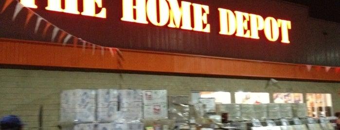 The Home Depot is one of Locais curtidos por Pablo.