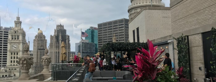 London House Rooftop Bar is one of Chicago.