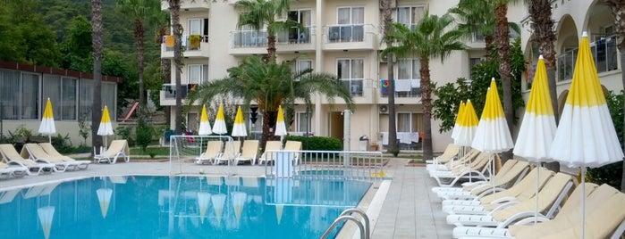 Hotel Golden Sun is one of Lieux qui ont plu à Eysan.
