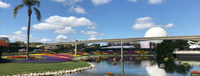 Epcot International Flower & Garden Festival is one of Lindsaye 님이 좋아한 장소.