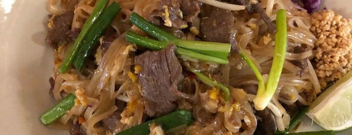 Thai Recipe Bistro is one of Tempat yang Disukai Scott.