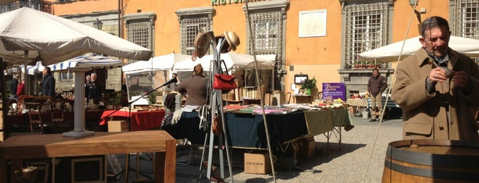Mercato dell'Antiquariato is one of Travel.