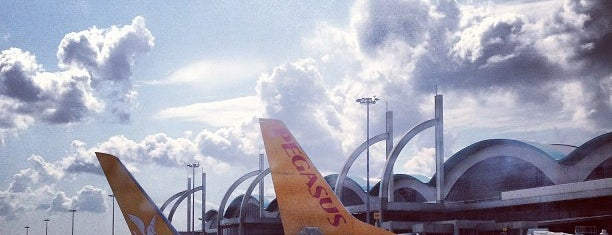 Aéroport international Sabiha-Gökçen (SAW) is one of Istanbul.
