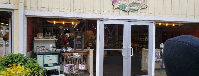 Virginia's Gift Shop is one of Lugares favoritos de On Your.