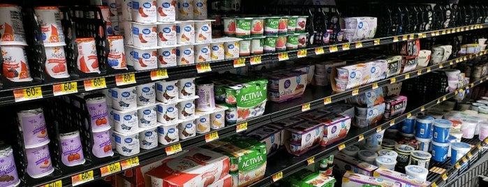 Walmart Supercenter is one of Lugares favoritos de Dan.