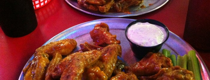 Pluckers Wing Bar is one of Locais curtidos por Jenna.
