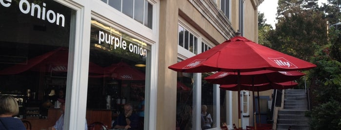 Purple Onion Cafe is one of Orte, die Divya gefallen.