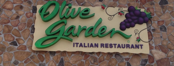 Olive Garden is one of Lieux qui ont plu à Jhalyv.
