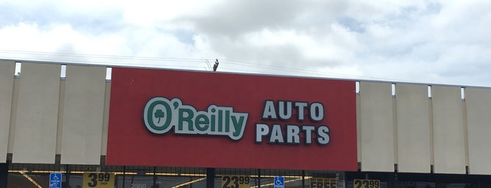 O'Reilly Auto Parts is one of Sallyさんのお気に入りスポット.