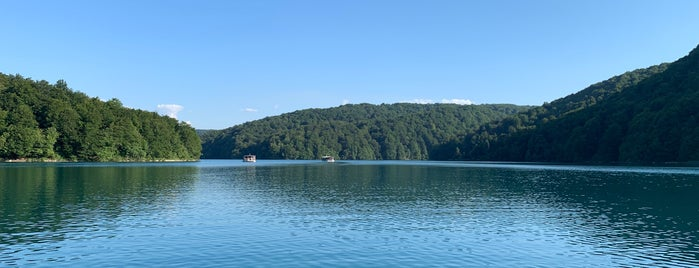 Jezero Kozjak is one of Lieux qui ont plu à Jonathon.
