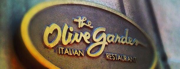 Olive Garden is one of สถานที่ที่ Krisi ถูกใจ.