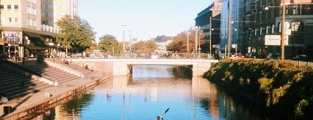 Davidshallsbron is one of Malmö.