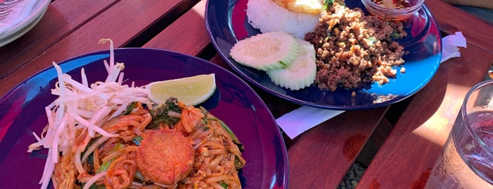 Somtum Der is one of Brooklyn Lunch (T).