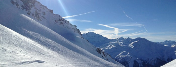Verbier is one of Lugares.