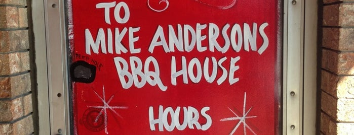 Mike Anderson's BBQ House is one of Posti salvati di Hayley.