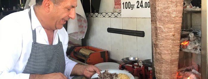 Mürşitoğlu Dönerci İsmet Usta is one of Selçuk'un Beğendiği Mekanlar.