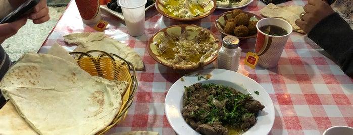 Al-Khal Restaurant is one of สถานที่ที่ Leen ถูกใจ.