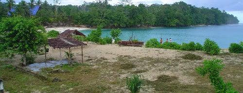 Pantai Wari is one of Biak Numfor Travel List.