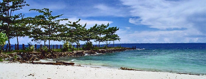 Pantai marau is one of Biak Numfor Travel List.
