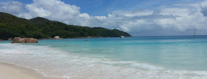 Anse Lazio is one of plages.