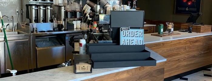 Peet's Coffee is one of Tempat yang Disukai David.