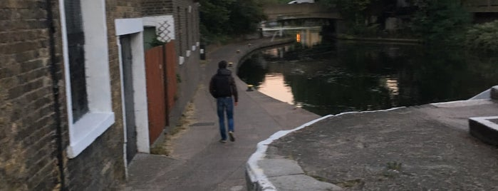 Old Ford Lock (Regent's Canal) is one of Guide to East London's best spots.