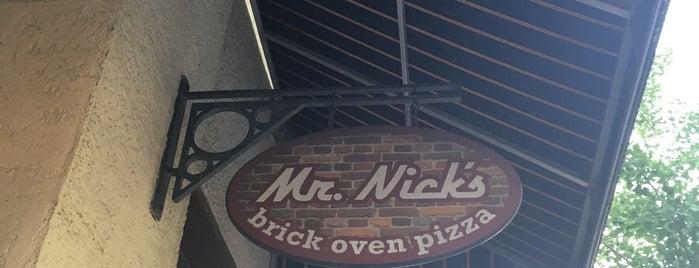 Mr. Nick's Brick Oven Pizza is one of Orte, die Christine gefallen.